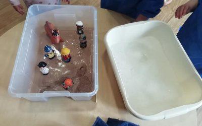 Explorers Create Duplo Houses!